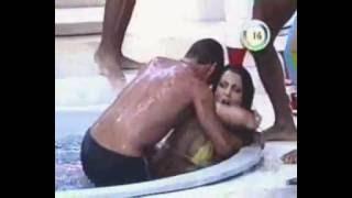 Download Banheira do gugu - Fabiana Andrade 2 Video