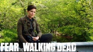 Download Walker Landmine Trap | Walker Kill of the Week | Fear the Walking Dead Season 5 Episode 9 Video