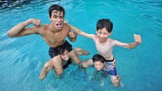 Download TWIN BOYS vs. TWIN BOYS SWIMMING COMPETITION! Video