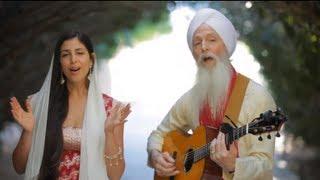 Download GuruGanesha Band - A Thousand Suns - Introducing Paloma Devi Video