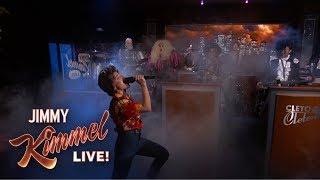Download Kristen Bell & Dave Grohl Perform Frozen & Metallica Mash-Up Video