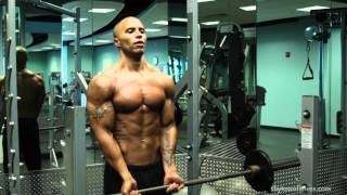 Download CHEST & BICEPS CIRCUIT TRAINING with Evan Shy Video