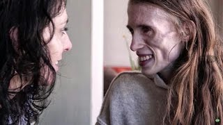 Download ″Kijk naar het meisje achter de ziekte″ - RTL LATE NIGHT Video