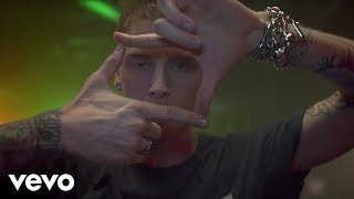 Download Machine Gun Kelly - At My Best ft. Hailee Steinfeld Video
