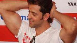Download EXCLUSIVE: Hrithik Roshan gives FITNESS TIPS Video