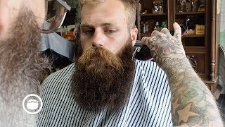 Download Massive, Thick Beard gets Trimmed at the Barbershop Video
