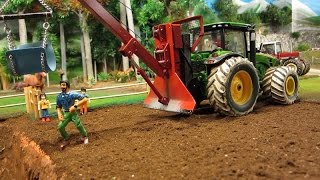 Download RC TRACTOR rescue a horse - farm toys in action Video