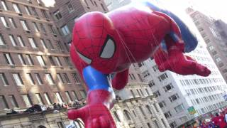 Download Spiderman Injured? 2013 Macy's Thanksgiving Day Parade (Live Video) Video