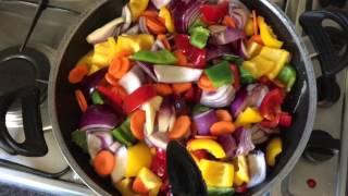 Download Mi plato de verduras preferido hecho por mi mamá Video