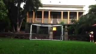 Download فيديو طرائف مضحكة لكرة القدم سوء حظ اللاعبين هفوات في كرة القدم Video