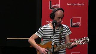 Download Le petit bonhomme en bourse - La chanson de Frédéric Fromet Video