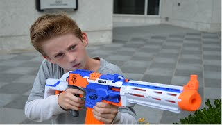 Download Nerf Duel: The Chase Video