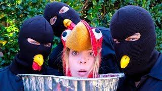 Download I'm Thanksgiving Dinner? | Lele Pons Video