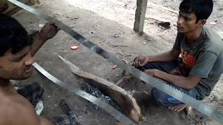 Download Dangerous Way of Fixing Wood Cutting Blade in Saw Mill Bangladesh/Blade Fixing In Saw Mill to Cut Video