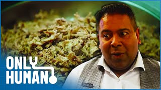 Download Beating the Buffet that Sells 5 tonnes of Duck Every Week? | Britain's Buffet Hunters | Only Human Video