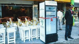 Download Outdoor Fridge: Restaurant owner offers leftovers to the homeless Video