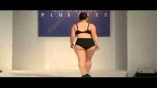 Download Lingerie plus size - pokaz bielizny xxl.mp4 Video