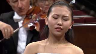 Download Aimi Kobayashi – Piano Concerto in E minor Op. 11 (final stage of the Chopin Competition 2015) Video
