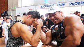 Download ARM WRESTLING BODYBUILDERS JOSE LUIS MONTES VS RAUL SANCHEZ MR MEXICO | NANCY RODRIGUEZ Video