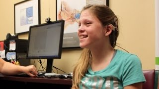 Download 14-Year-Old Girl Breaks Down In Tears Hearing Mom's Voice Clearly For First Time Video