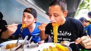 Download Thai Street Food in Bangkok - MOST POPULAR LUNCH Noodles in Downtown Silom, Thailand! Video