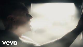 Download Eminem - Beautiful Pain (Music Video) ft. Sia Video