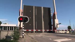 Download Dutch bridge opens - Brug Blauwe Hand (2) Video