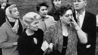 Download Elvis Presley - Mama Liked The Roses Video