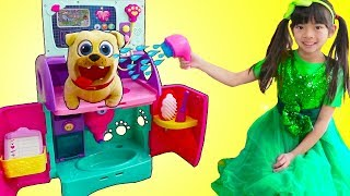 Download Emma Pretend Play Feeding & Giving Bath To Pet Animals Toys for Kids Video