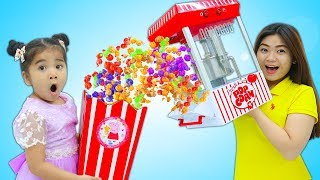 Download Suri Pretend Play w/ Colored Pop Corn Maker Toy and Kids Food Toys Video