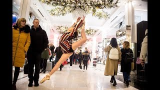 Download 10 Minute Photo Challenge Distracts Holiday Shoppers at Macy's Video