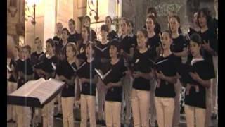 Download La vida es bella. Escolanía de Segovia. Santander 30-04-2011 Video