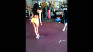 Download Bikini T-Walk instructional with Lisa Thomas from Video