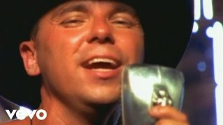Download Kenny Chesney - She Thinks My Tractor's Sexy (2-Channel Stereo Mix) Video