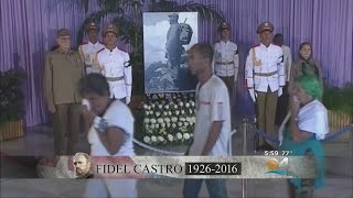 Download Cubans Crowd Havana's Revolution Plaza, Mourning Fidel Castro Video