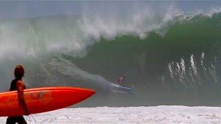 Download Surfing massive waves in Puerto Escondido Video