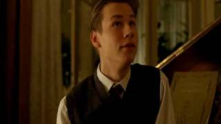Download Kate Winslet & David Kross - deleted scene Video