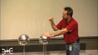 Download Should a Person Touch 200,000 Volts? A Van de Graaff generator experiment! Video