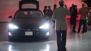 Download Autonomous Tech Will Drive Tesla to $7,000 Over Next 5 Years, Ark Analyst Says Video