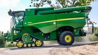 Download Monster machine! New John Deere combine harvester S 690 i at work! Video