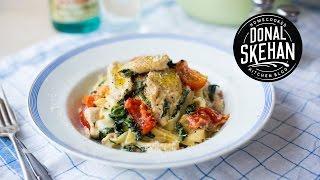 Download Creamy Chicken & Spinach Pasta! Video