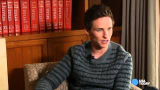 Download Eddie Redmayne gets critique from Stephen Hawking Video