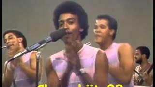 Download LOS HIJOS DEL REY CON SERGIO VARGAS - El Palmoteo (80's) Video