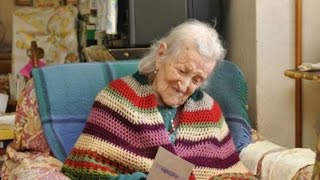 Download raw eggs and no husband since '38 keep her young at 115 Video