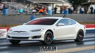 Download Muscle Cars Struggle to Take Down Tesla P100D at the Dragstrip Video