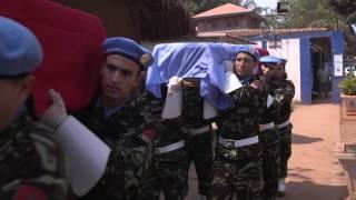 Download Hommage aux casques bleus marocains et bangladais Video