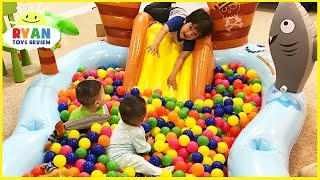Download The Ball Pit Show for learning colors! Children and Toddlers educational video Video
