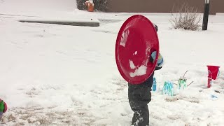 Download Storm blankets Albuquerque with snow Video