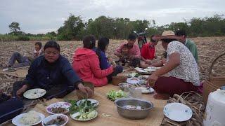 Download thai village cooking food spicy ลาบเป็ด ฮักอีสานบ้านเฮา Video