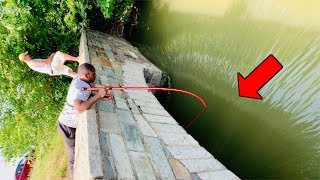 Download Fast Flowing UNDERGROUND Tunnel has BIG FISH!!! (CRAZY Roadside Fishing) Video